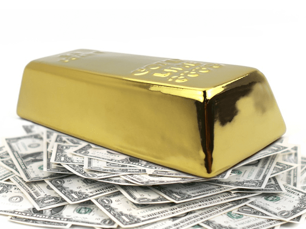 gold fighting dollar for safe haven status