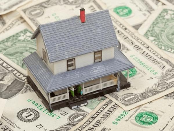 Realtors behind economic collapse